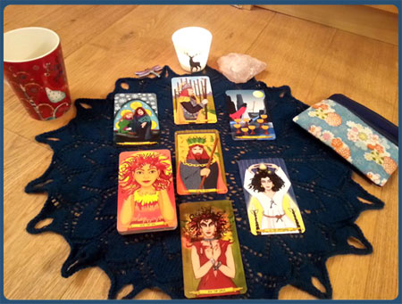 Maan Hanneke Nine Lives Tarot spread