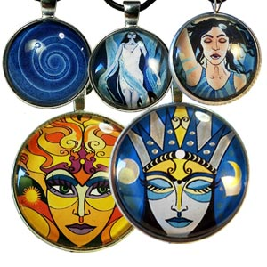 5 art pendants handcrafted by Abolina Art