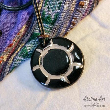 Sunray stoneware clay pendant Black with lustre